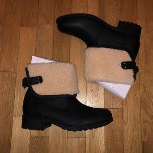 3ed0fbd7071 NWT Women's Ugg Aldon boots fold down fur NWT